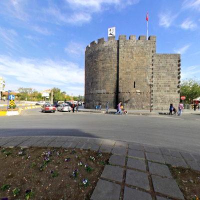 Diyarbakır Surları - Elazığ Kapısı Yan