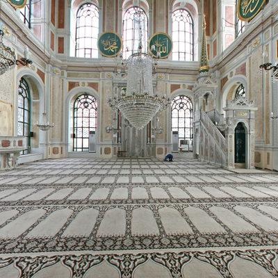 Ortaköy (Büyük Mecidiye)  Camii - Arka Giriş