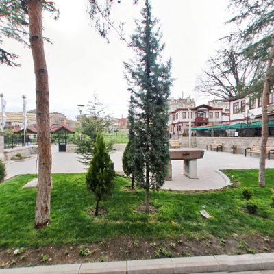 Mehmet Akif Kültür Evi - Bahçe