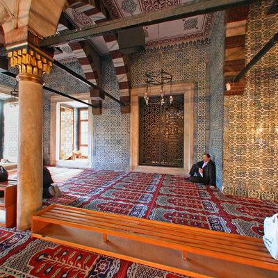 İstanbul Eminönü - Yeni Camii - Sağ Ön Köşe
