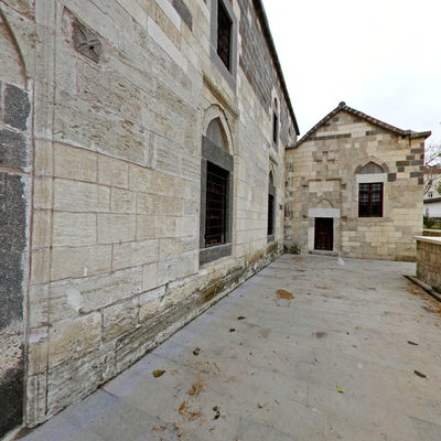 Çeşmeli Kilise - Ön Taraf
