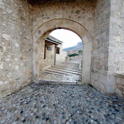 Mostar Köprüsü - Batı