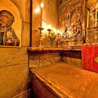Kutsal Kabir Kilisesi - Makam