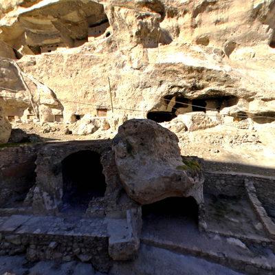 Hasankeyf - Mağaralar Üst Taraf