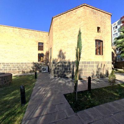 Ahmet El Cezeri Türbesi - Bahçe
